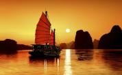 Halong-bay-on-night