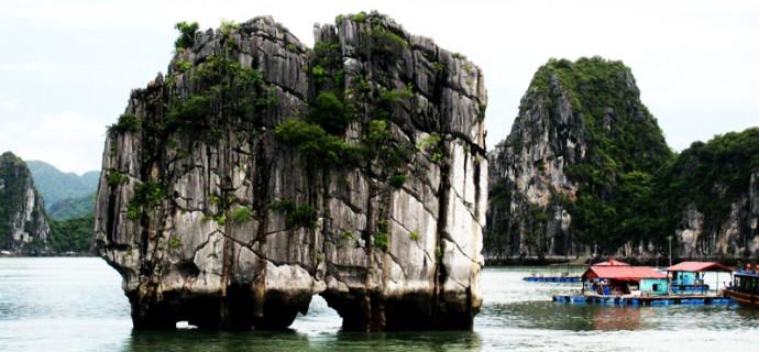 Dinh Huong islet - Halong Bay